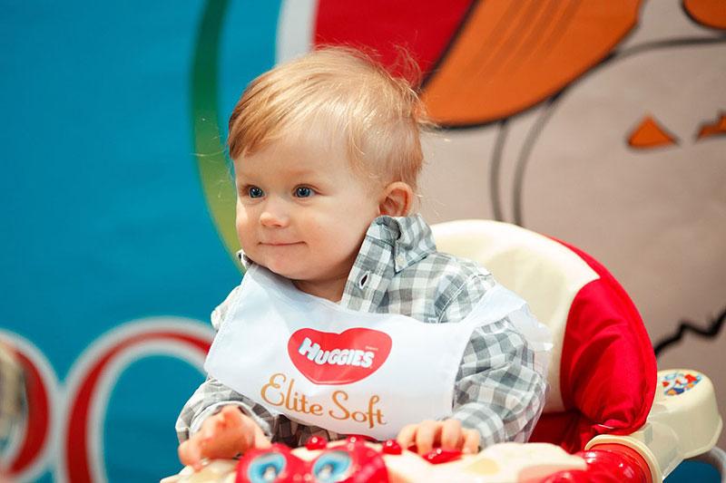 На Фестивале беременных и младенцев WANEXPO прошел конкурс для самых маленьких: «Заезд в ходунках»